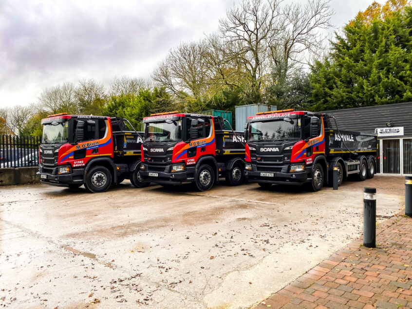 Scania P410 XT tipper lorry for hire